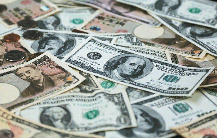 展望2019年,金融圈最看好的兩大外幣,依舊是具避險概念的美元與日圓。 彭博資訊