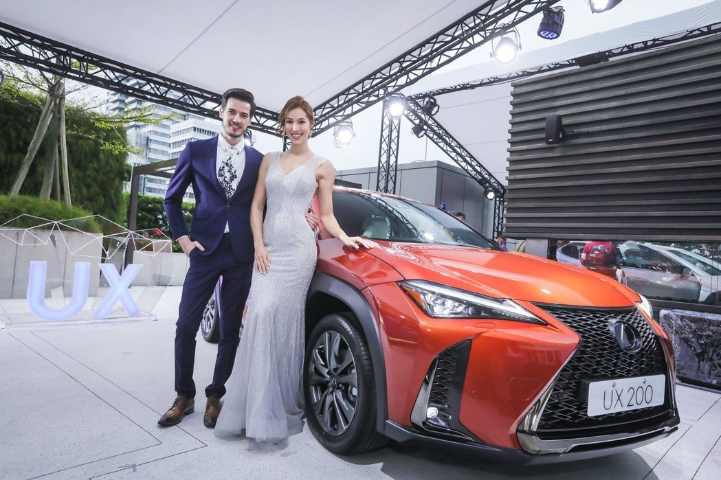 豪華品牌頻推入門車款,讓豪華市場屢創佳績,圖為LEXUS UX200。 圖/和泰汽車提供