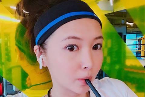 Makiyo前年成立公司販賣一款日本進口的保養品,不料卻被人檢舉保養品內含有超標的大麻萃取物成分,讓她的產品被迫停止販售,不過台北地檢署調查後,認為產品內含有的大麻萃取物CBD,非我國公告禁止使用的...
