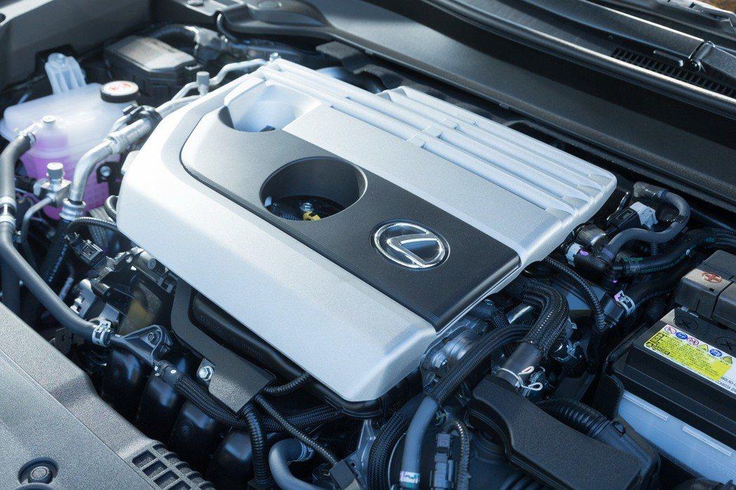 UX 200搭載全新2.0升Dynamic Force自然進氣引擎,提供173匹...