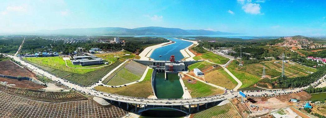 南水北調中線工程已成功通水,圖為河南淅川陶岔渠首全貌。(百度)