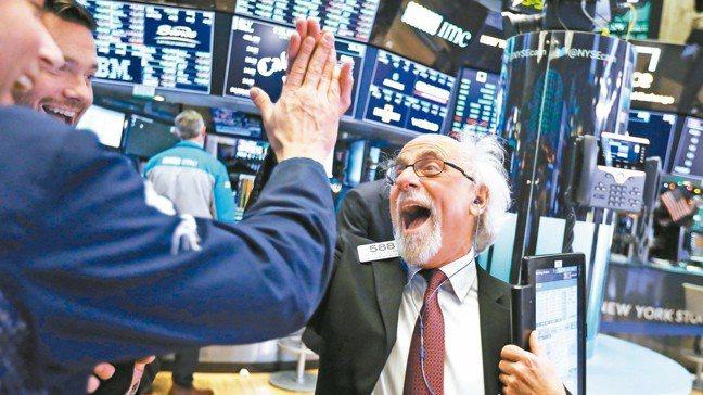 分析師認為,基於季節性因素,第4季美股展望看俏。圖/美聯社
