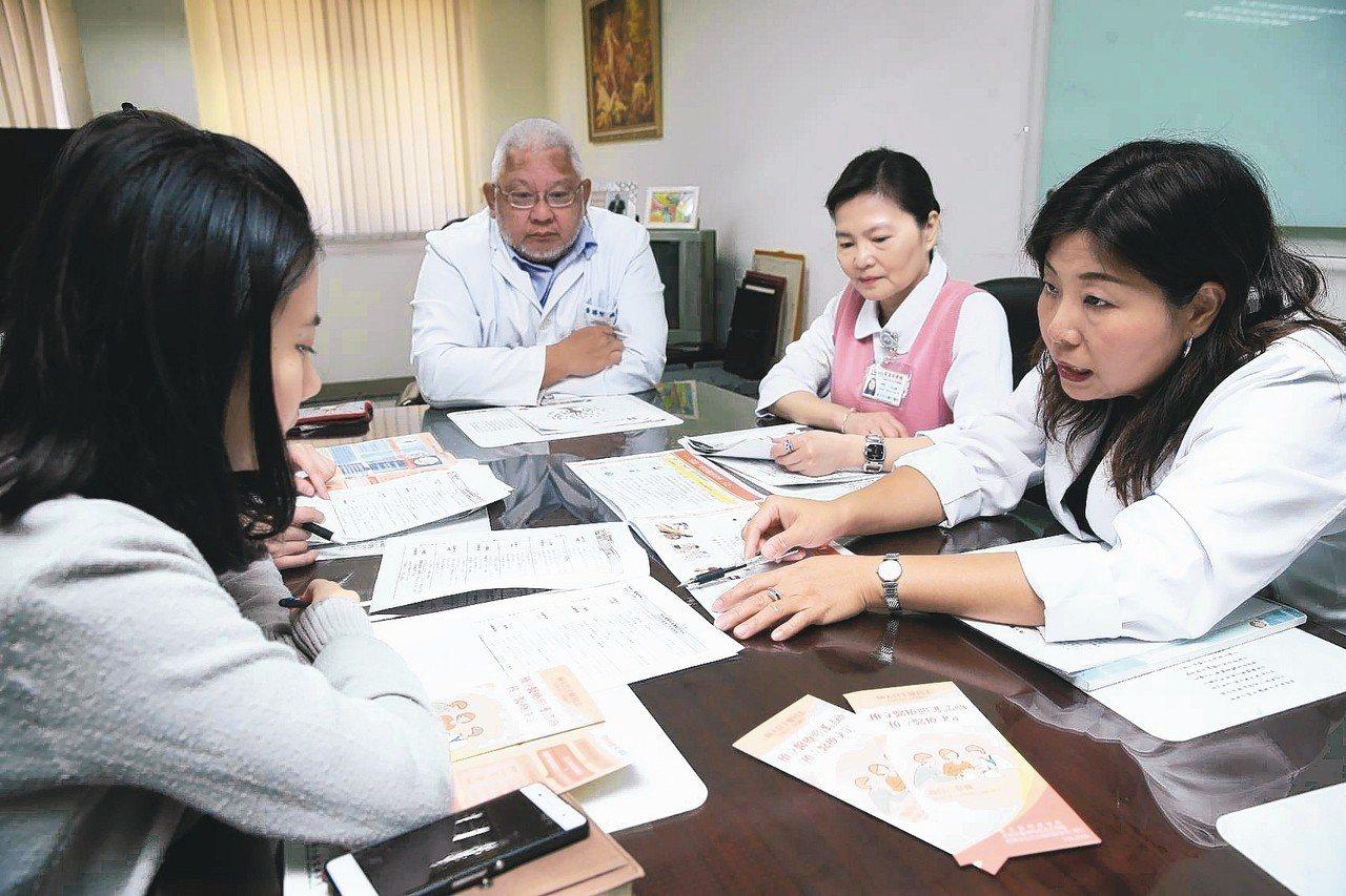 「病人自主權利法」昨天上路,民眾可簽署「預立醫療決定」。 圖/聯合報系資料照片