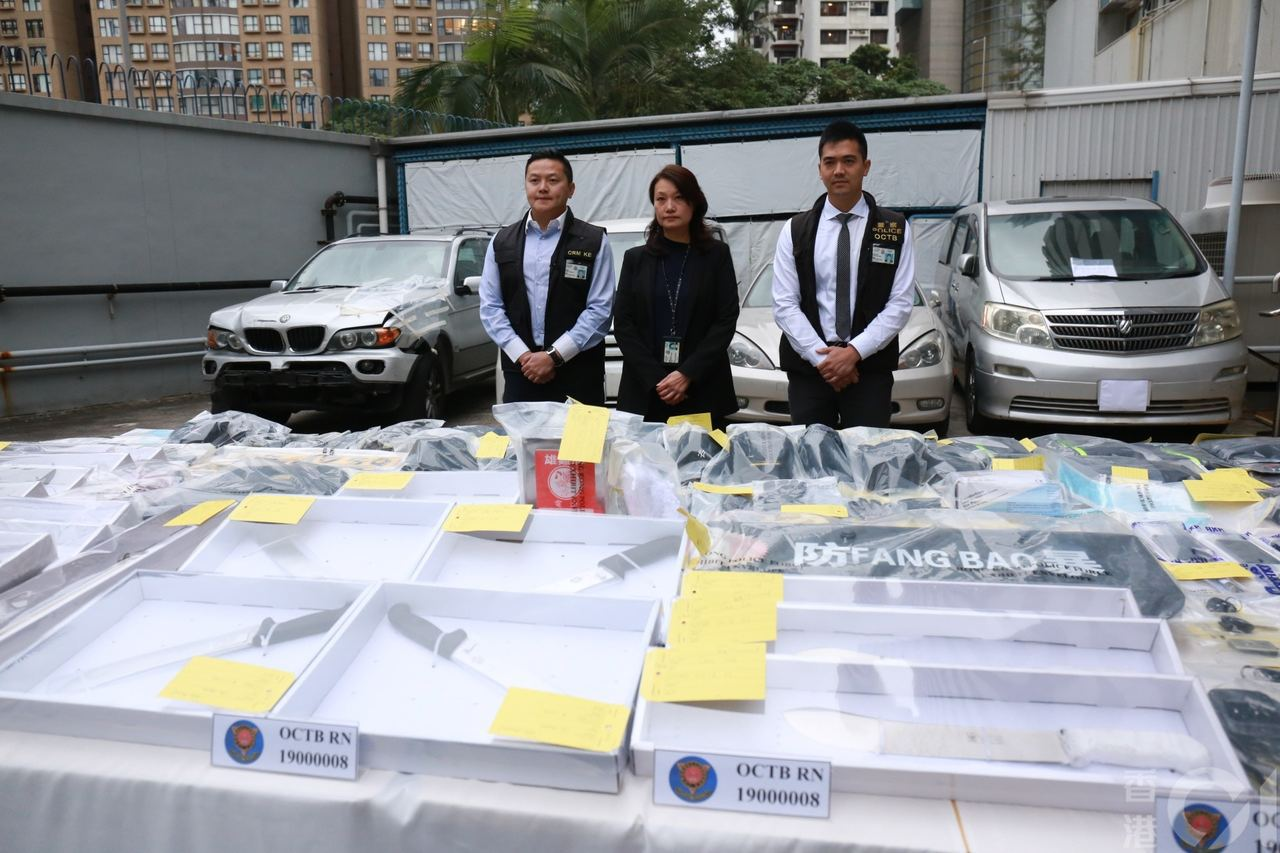 警方進行連串拘捕行動,檢獲大量證物。香港01記者林振華/攝影