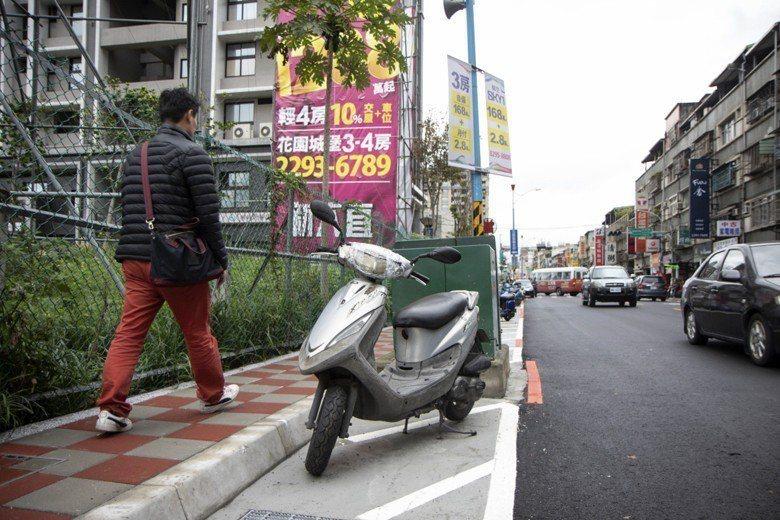 台灣人行道在規劃和建置上出了什麼問題? 圖/聯合報系資料照