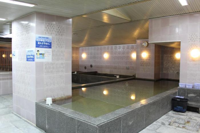 朝日廣場心齋橋膠囊旅館。 圖/booking.com