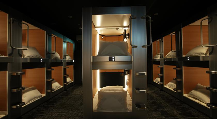 新日本膠囊小屋旅館。 圖/booking.com