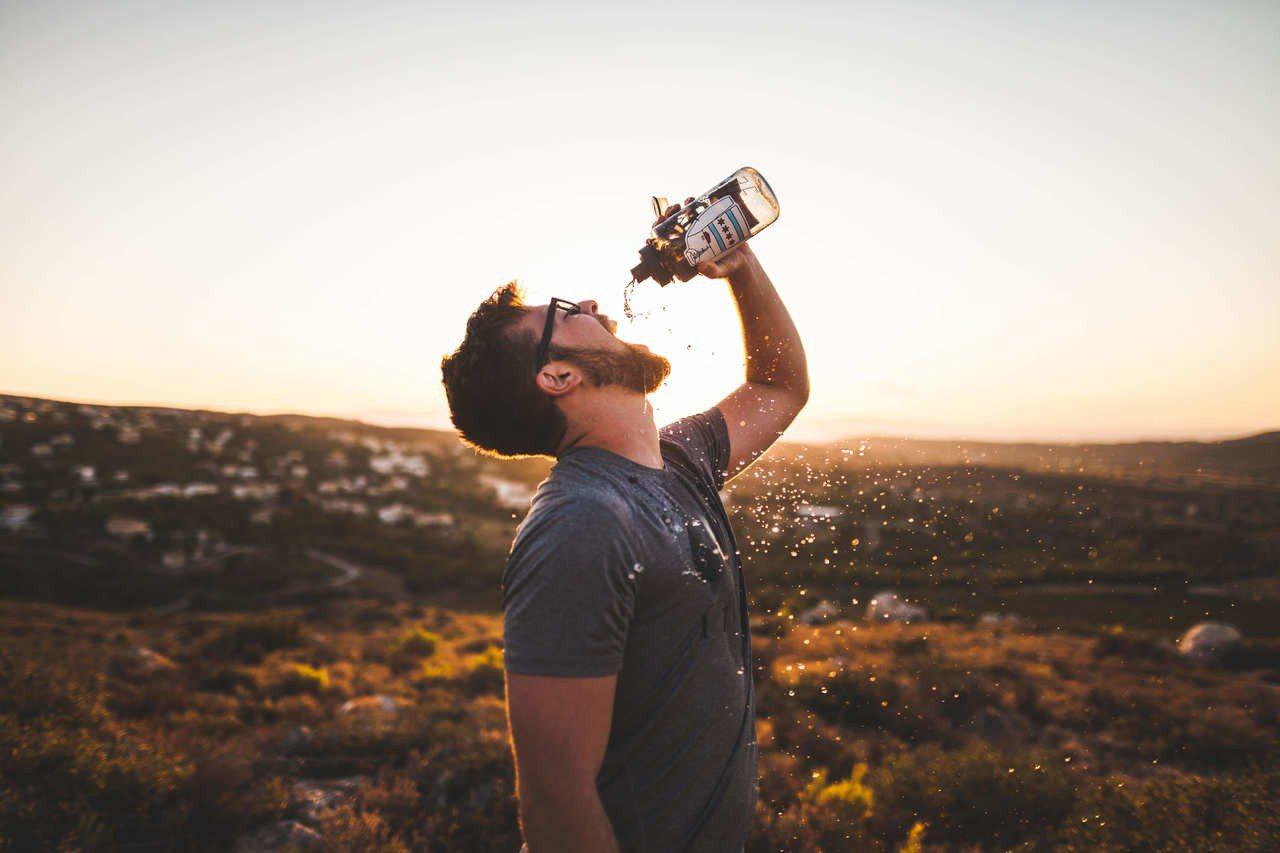 喝水可以增加新陳代謝。圖/摘自Pexels