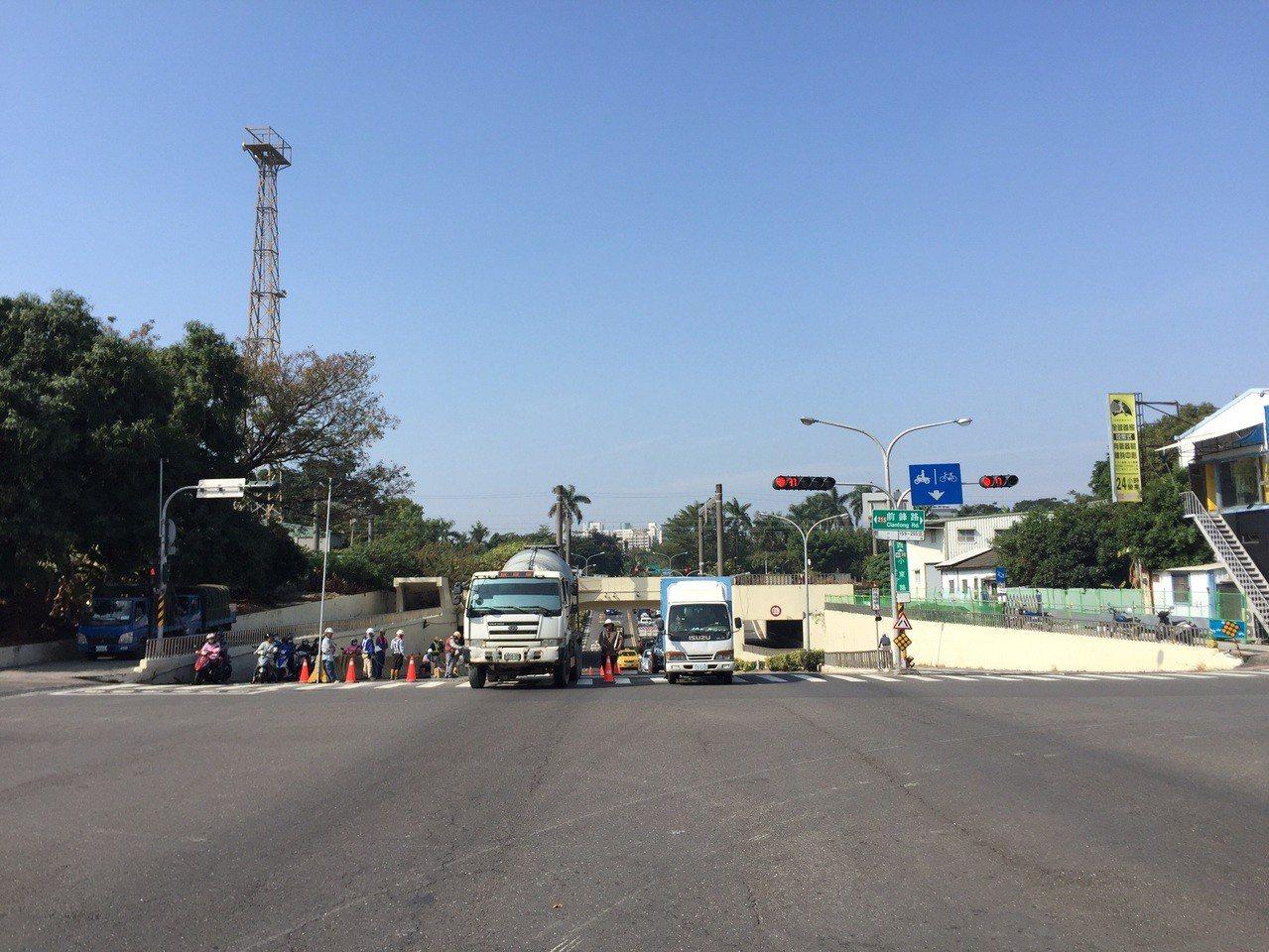 台南市小東路地下道將進行施工,明天起交通管制5個月。記者黃宣翰/翻攝