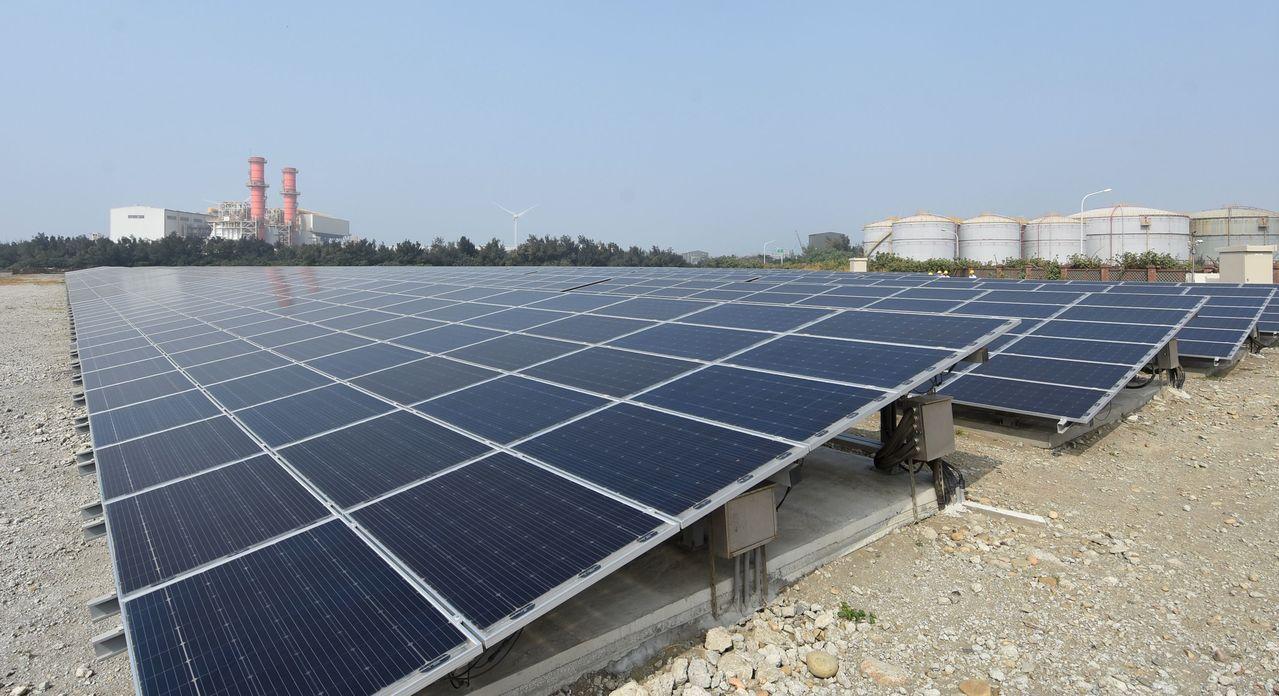 再生能源業者呼籲政府,未來一次公布2到3年的躉購費率。 圖/聯合報系資料照片