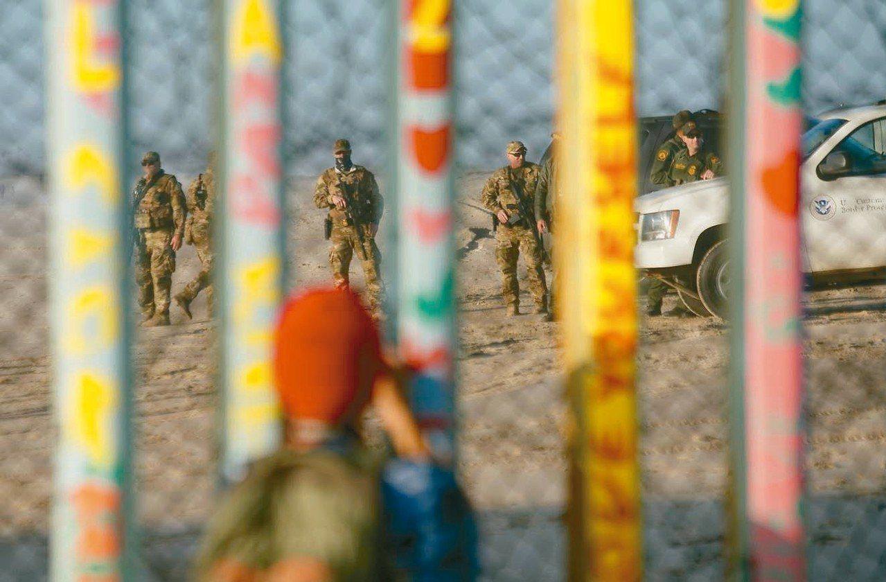 川普願以鋼筋圍籬取代水泥牆,作為與民主黨的可能妥協方案。 法新社
