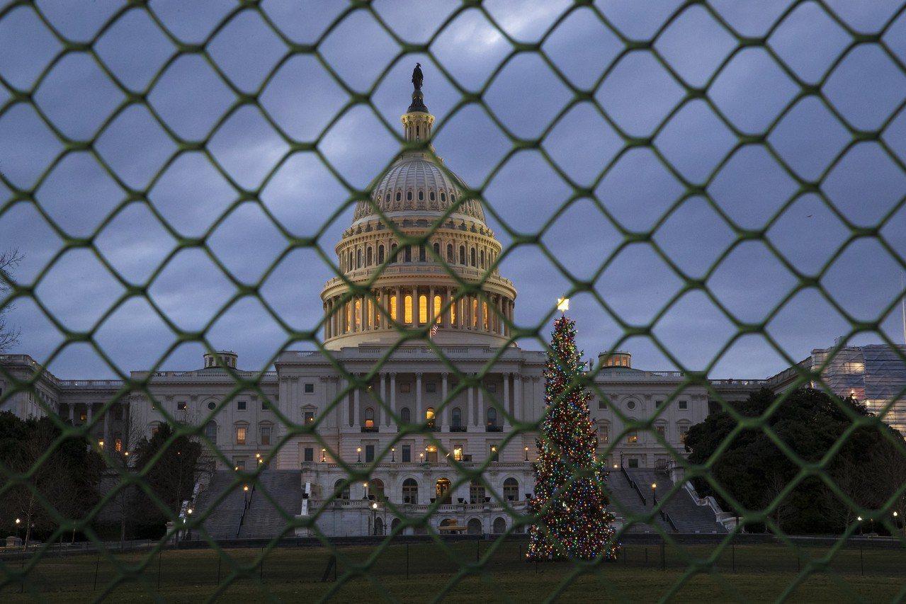 這次的政府停擺於今天零時進入第22天,正式改寫美國政府關門最久的紀錄。 美聯社