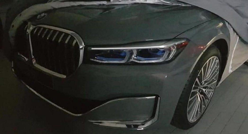 疑似小改款BMW 7-Series局部車頭照。 摘自Carscoops