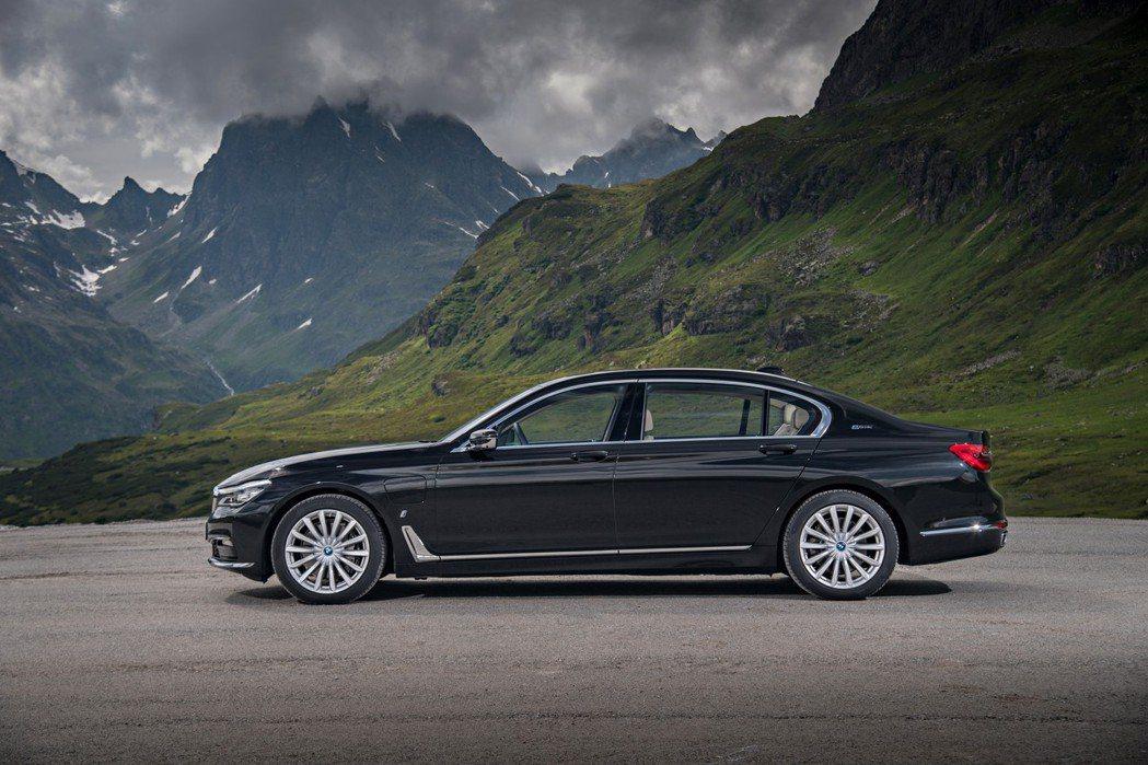 BMW 740e iPerformance插電式油電混合動力車型。 摘自BMW