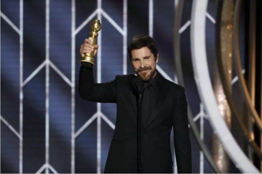 克里斯汀貝爾以「為副不仁」奪得金球獎影帝,得獎致詞卻引起爭議。(路透)