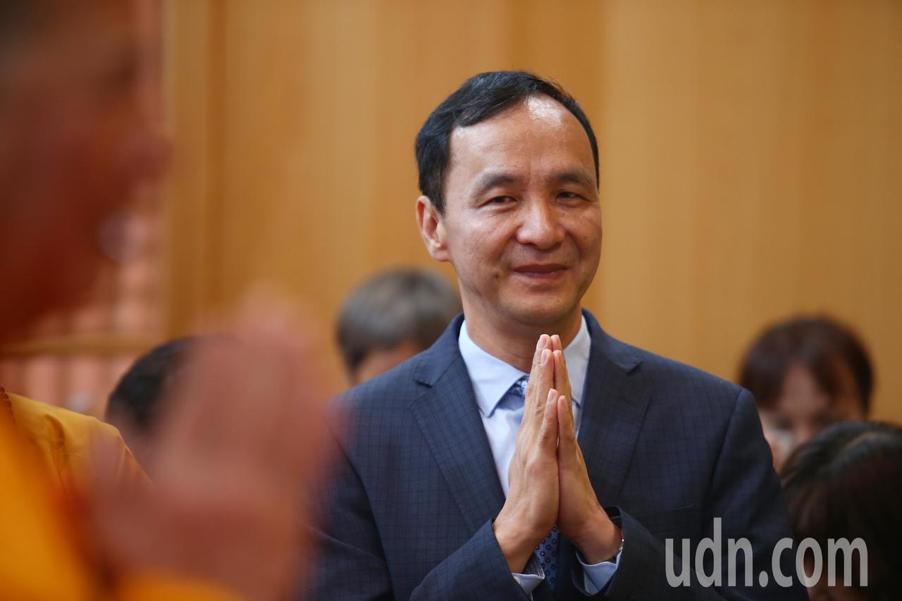新北市前市長朱立倫上午出席千霞山海明寺開光安座活動。記者王騰毅/攝影