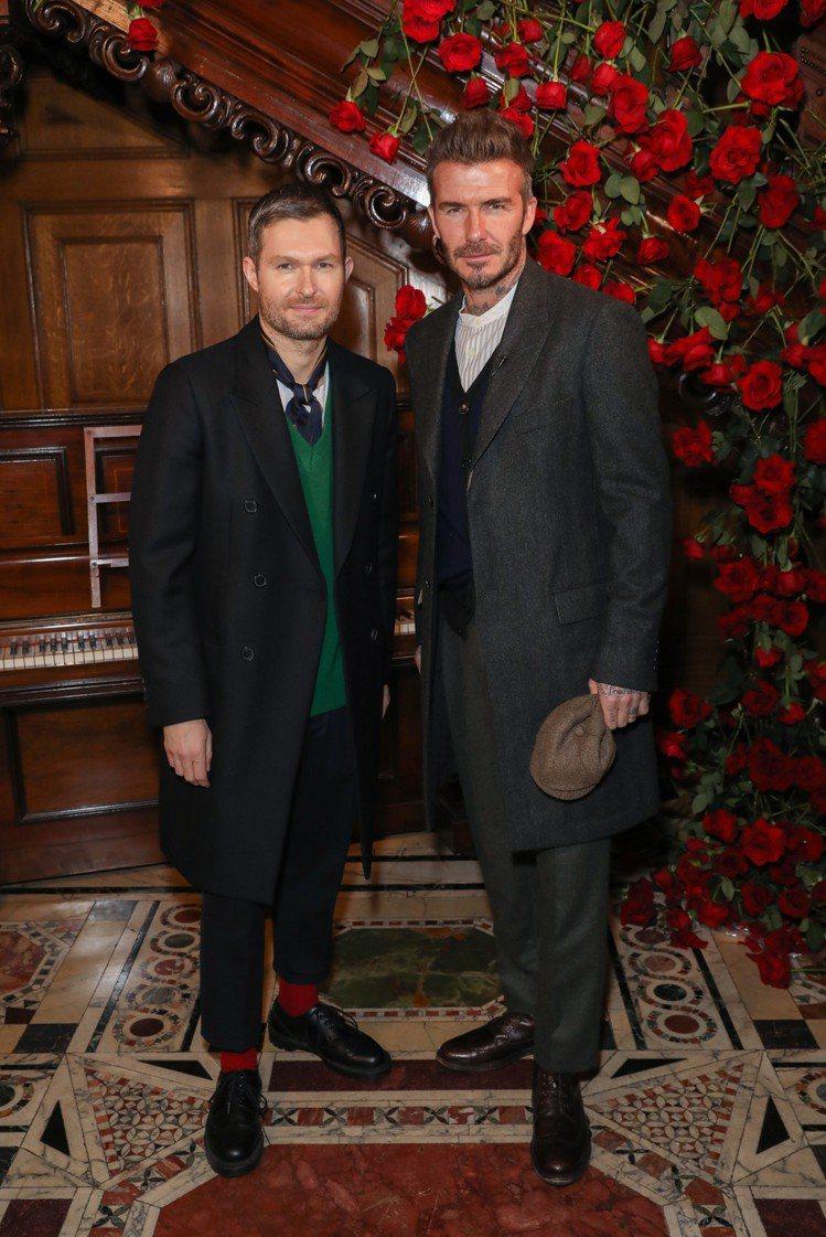 Kent & Curwen男裝大秀,大衛貝克漢帶上布魯克林貝克漢一同欣賞,頗有傳...
