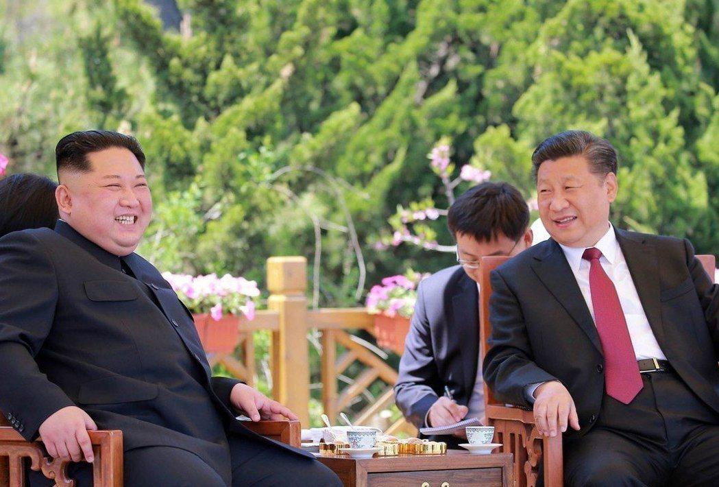 北韓最高領導人金正恩八日抵達北京,將與中共總書記習近平會談。 (美聯社)