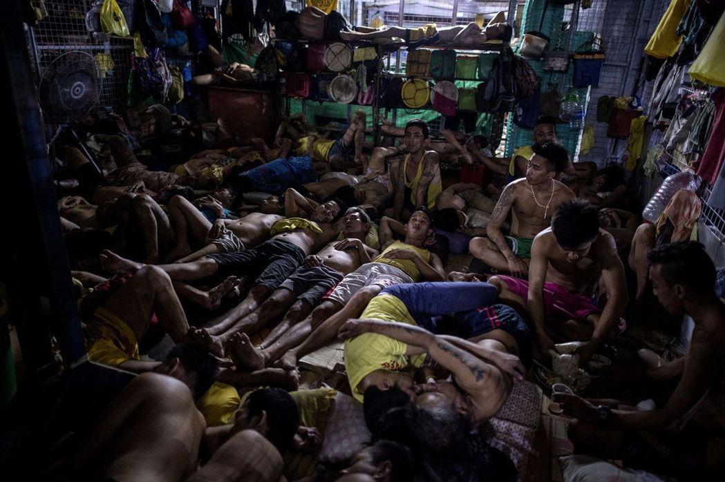 奎松市監獄的牢房十分擁擠。 (法新社)