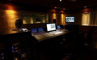 智冠高雄音樂製作中心數位錄音室。 智冠/提供。