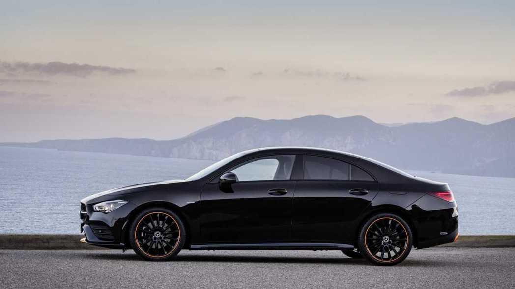 車長4688mm、軸距2729mm都比上一代增長不少。 摘自Mercedes