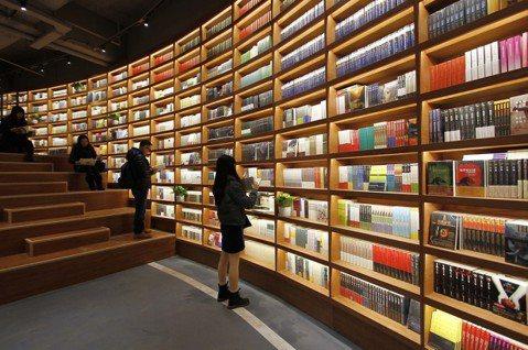 沈如瑩/年度好書之外:2018各大書店通路與暢銷榜觀察