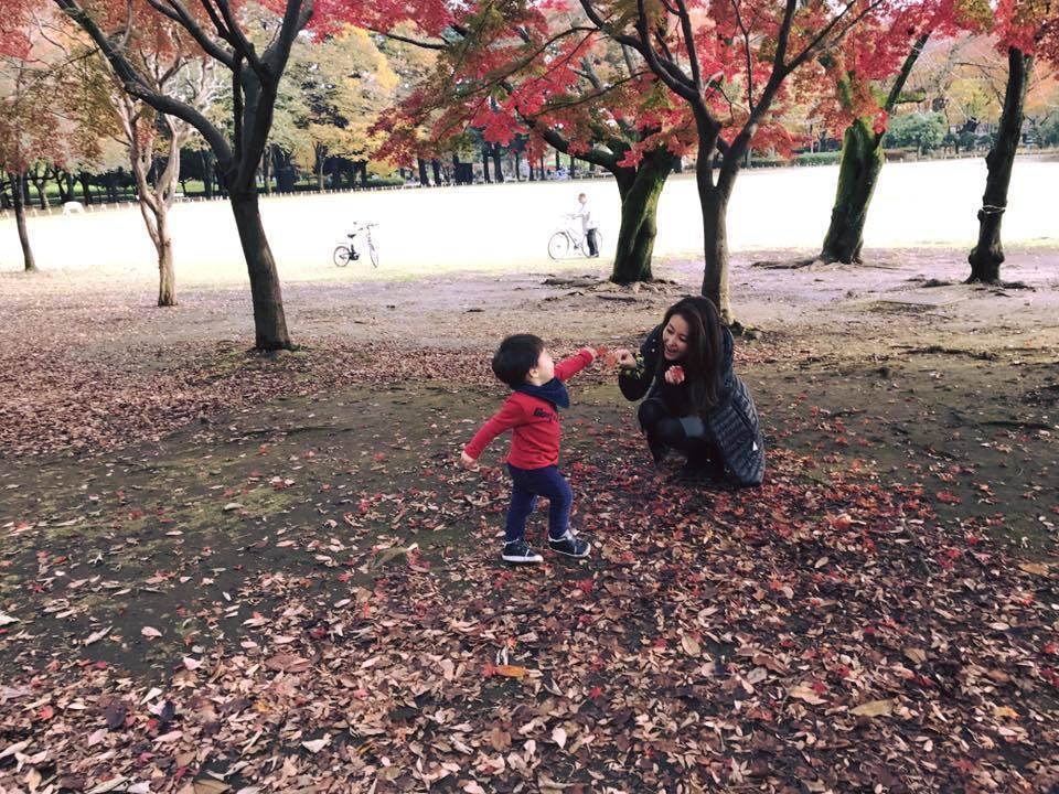 麻衣獨力撫養兒子讓王文洋很欽佩  圖/摘自臉書