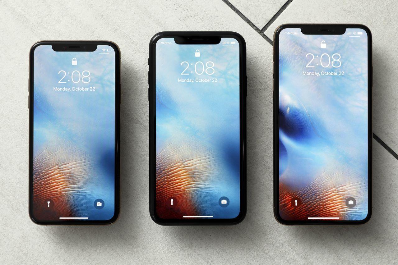 由左至右為iPhone XS、XR及XS Max。美聯社
