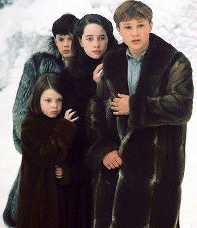 「納尼亞傳奇」首集中4兄妹都還是青少年,充滿稚氣。圖/摘自Instagram