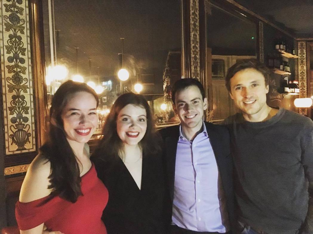 「納尼亞傳奇」4兄妹再度重聚慶祝安娜帕普威(左一)的30歲生日。圖/摘自Inst...