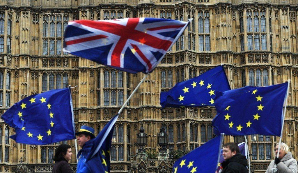 歐盟預算執行委員表示,若英國無協議脫歐,歐盟必須採取緊急行動以填補數十億歐元的財...