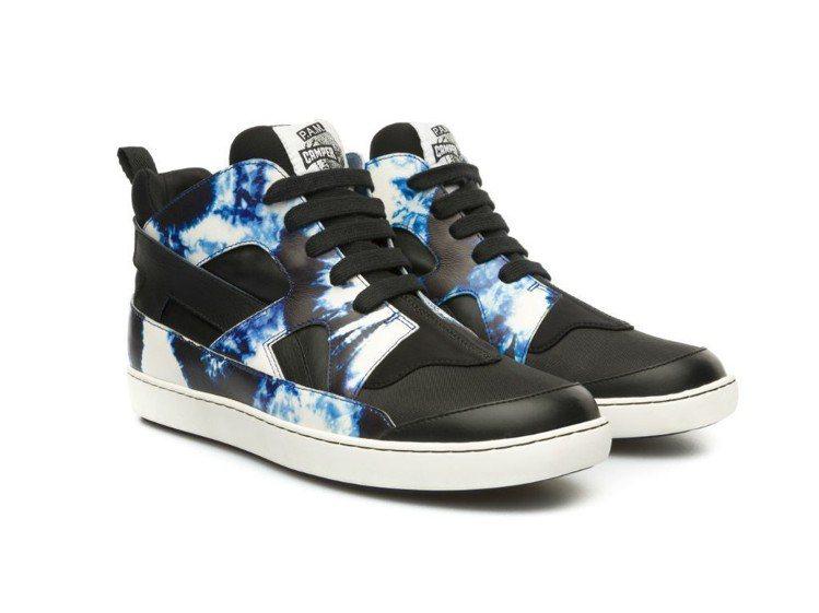 Twins高筒休閒鞋,特價2,000元。圖/CAMPER提供
