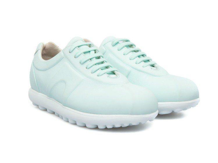 Pelotas Step休閒鞋,特價2,600元。圖/CAMPER提供