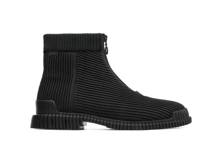 Pix系列黑色伸縮布高筒靴,6,980元。圖/CAMPER提供
