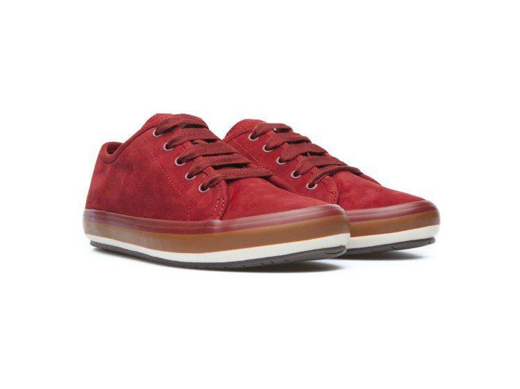 Portol休閒鞋,特價2,800元。圖/CAMPER提供