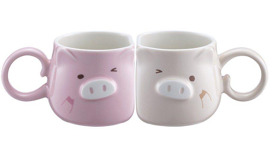 豬年麻吉對杯組,售價1,150元。圖/星巴克提供