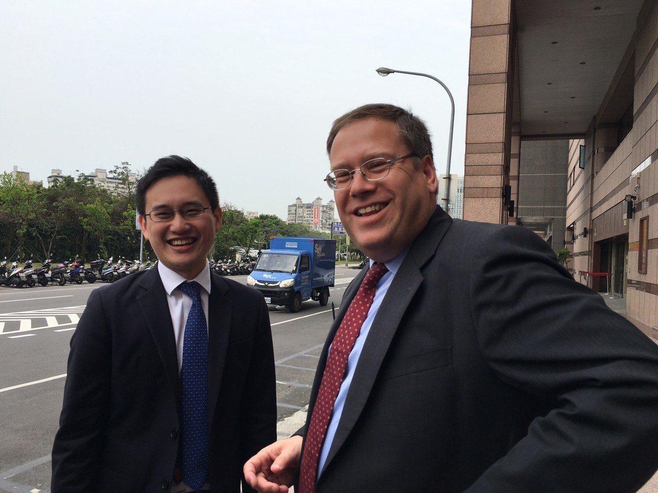 外交部長辦公室前主任趙怡翔(左)派駐我駐美代表處擔任政治組組長。本報資料照片