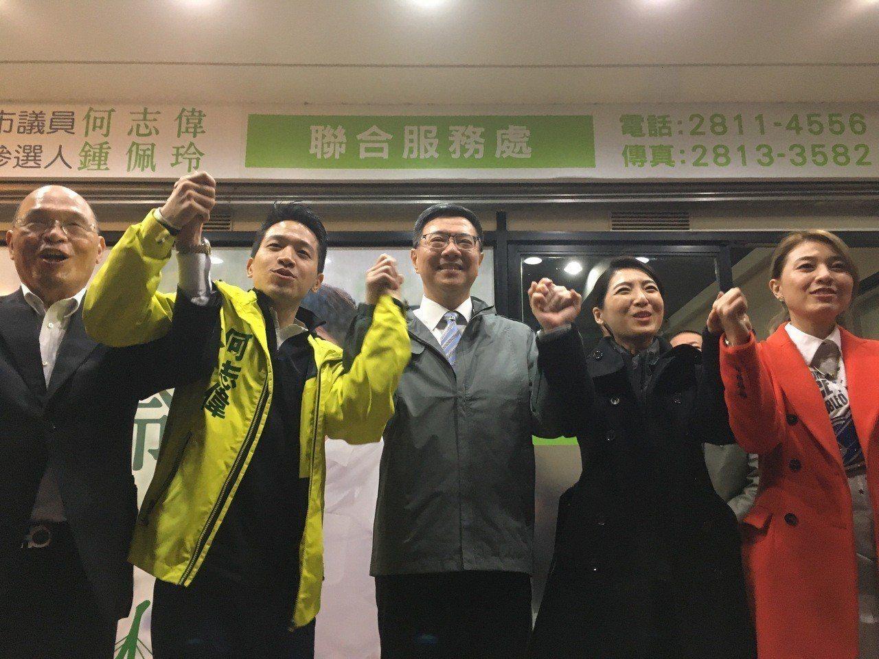 台北市士林大同區立委補選,新任民進黨主席卓榮泰今天結束黨內就職典禮,隨即趕赴參選...