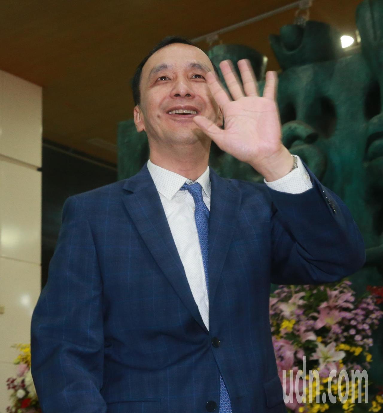 問鼎總統大位的新北市前市長朱立倫表示,黨內初選是讓黨內的聲音,能夠受到民眾的支持...