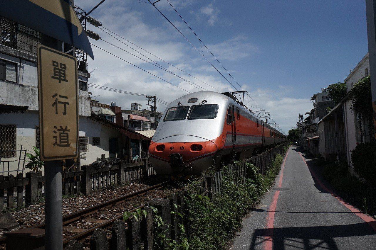 台鐵晚間宣布,花東實名制列車將加開8列次太魯閣、推拉式自強號列車。圖/報系資料照...