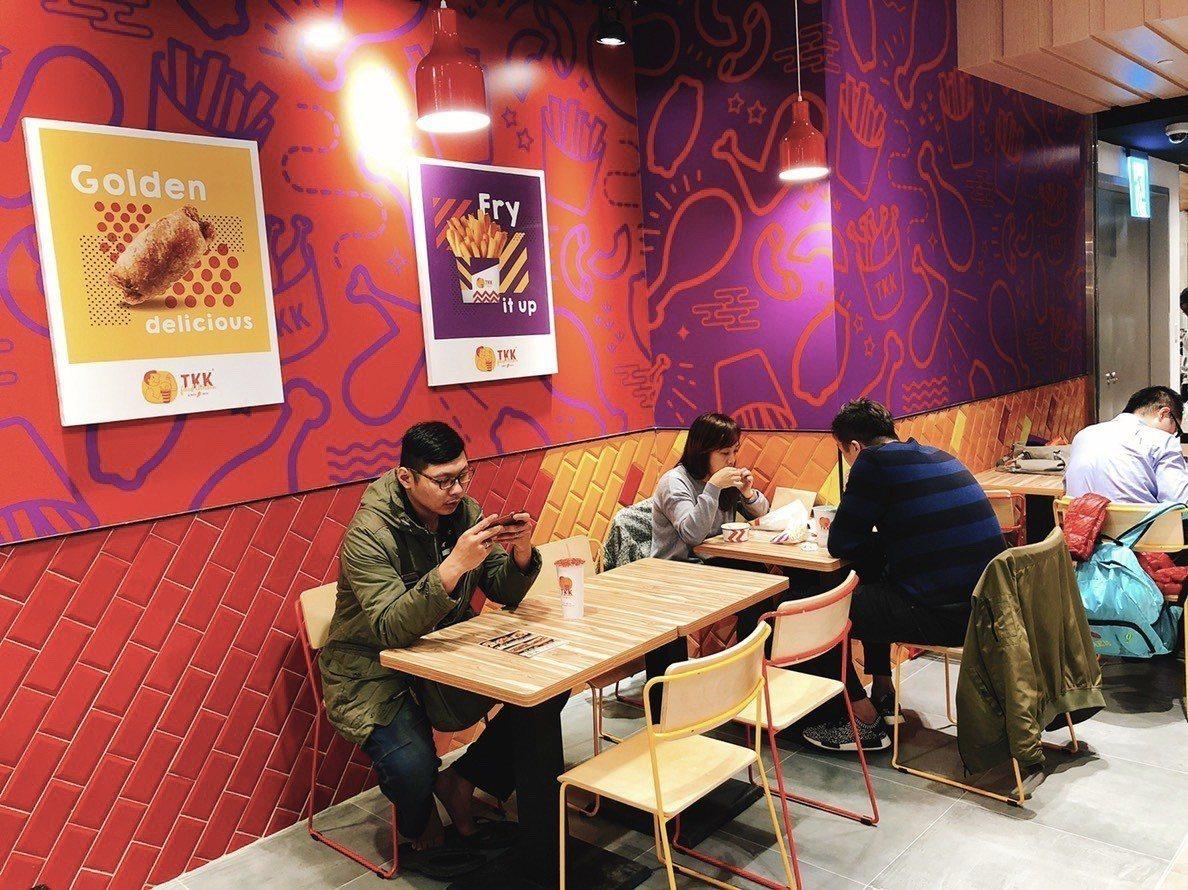 頂呱呱微風南山店成為台灣首間的紐約視覺店。圖/頂呱呱提供