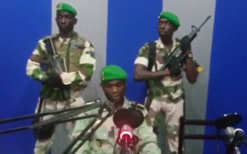 加彭軍人7日占領國營廣播電台,宣布推翻政府,但政變在幾小時後以失敗收場。 (美聯...