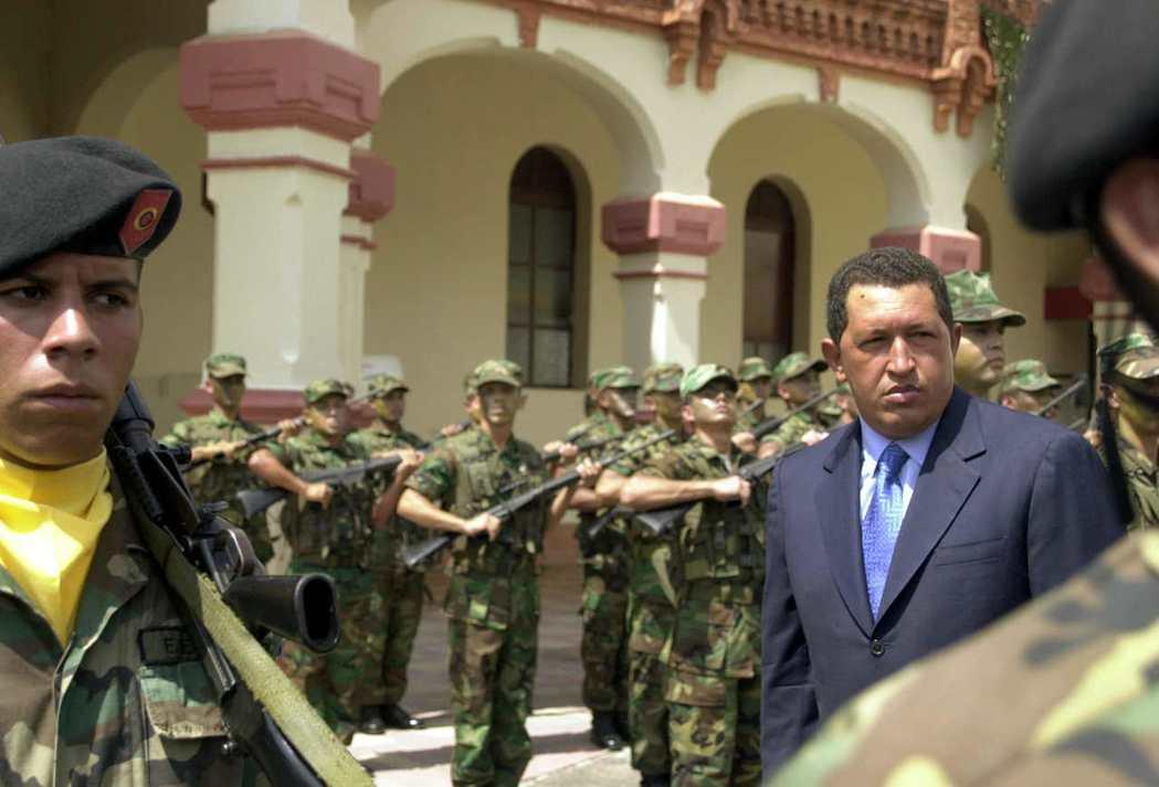委內瑞拉總統查維茲(右)2002年曾遭遇政變。 (美聯社)