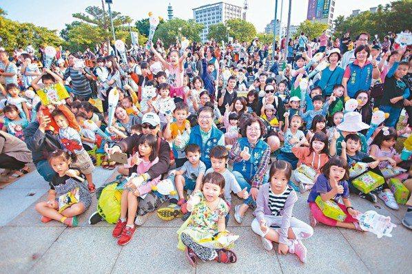 上個月,總病床數788床的中國醫藥大學新竹附設醫院舉行盛大的開幕典禮,為大型醫療...