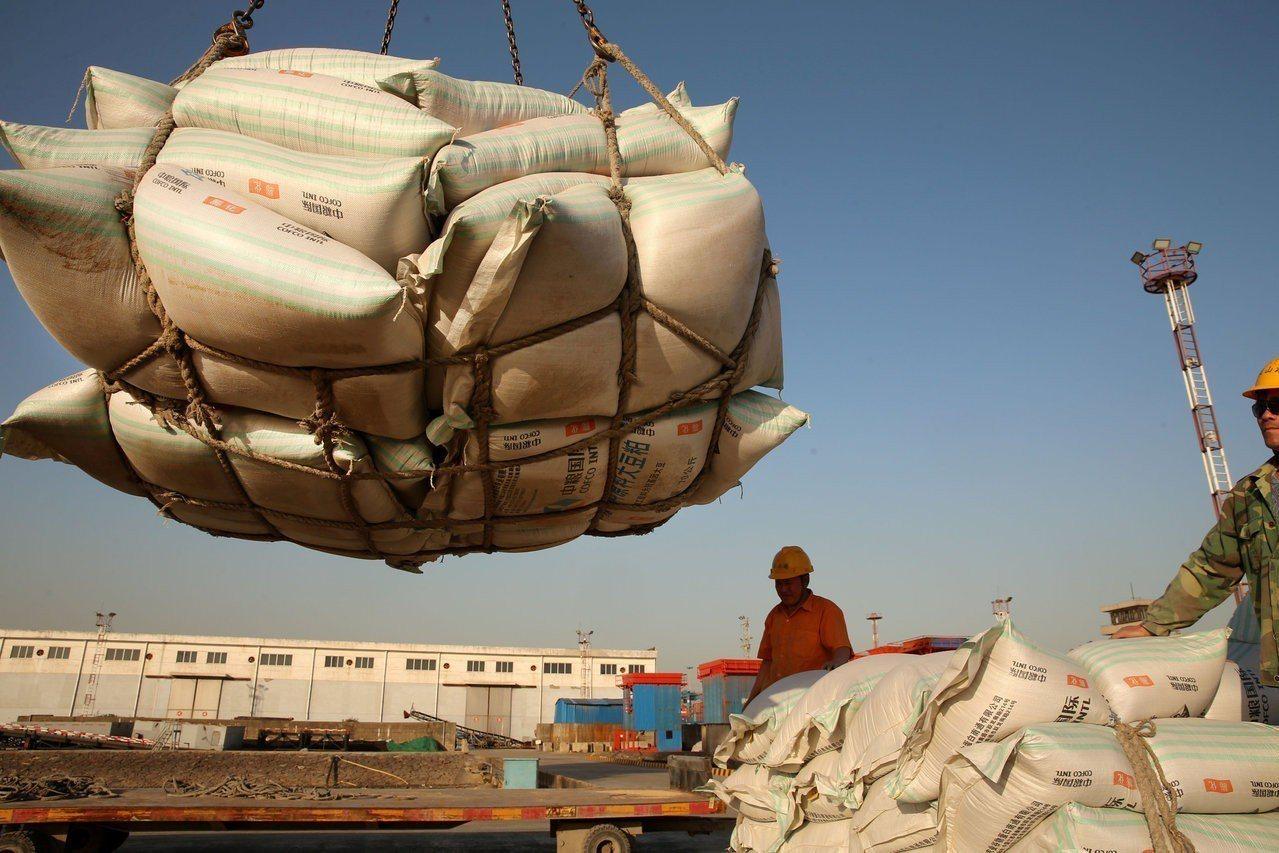 中美貿易談判昨在北京結束。 世界日報
