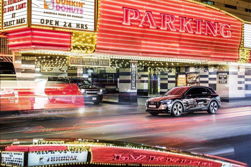 Audi今年於全球知名CES國際消費性電子展,以革命性的概念科技,賦予車用資訊娛樂系統全方位的嶄新定義。 圖/台灣奧迪提供