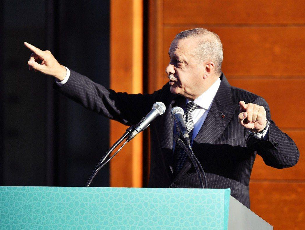 「在自己領土上開鑿一條運河,屬於國內事務,他國無權干涉。」厄多安顯然沒有要與黑海...