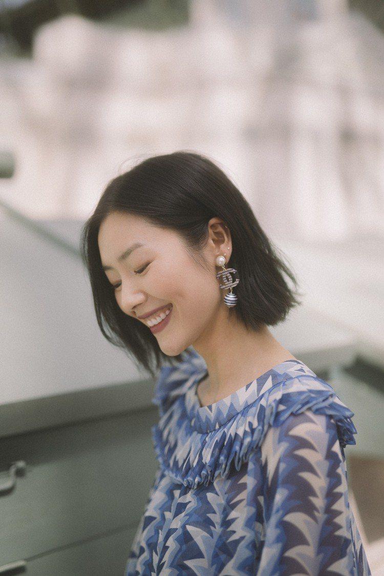 劉雯穿香奈兒2018/19度假系列服飾。圖/香奈兒提供