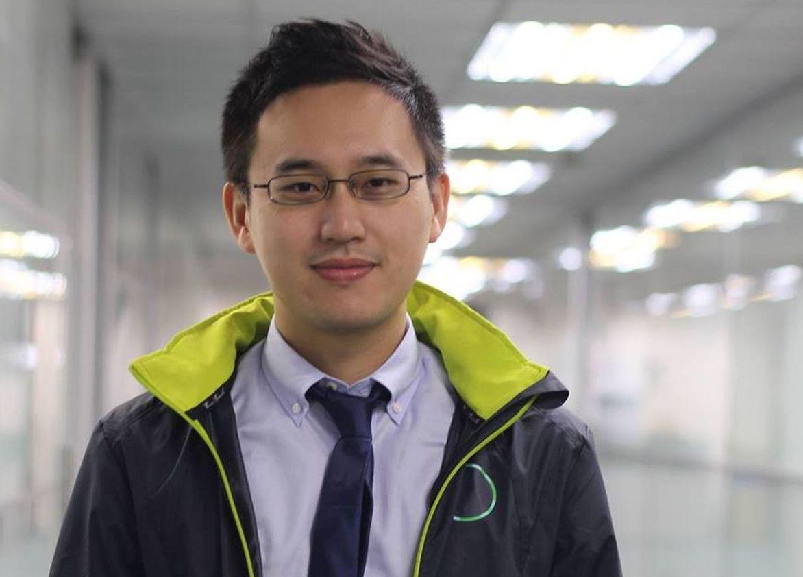 趙怡翔因擔任蔡英文口譯,被網友封為「口譯哥」。圖/取自趙怡翔臉書