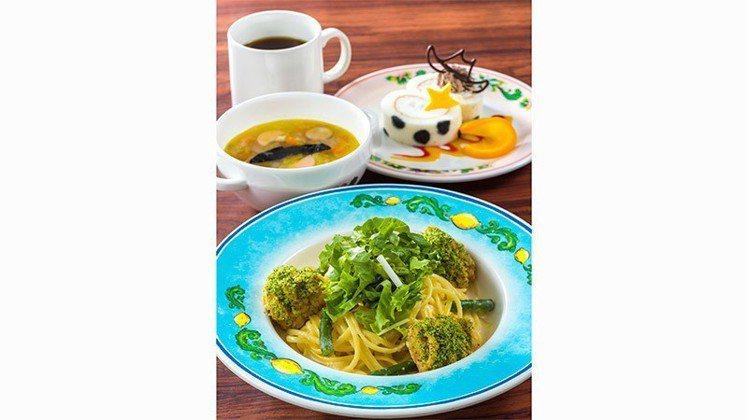 「皮克斯 Playtime」期間限定的餐廳美食。圖/摘自東京迪士尼樂園官網